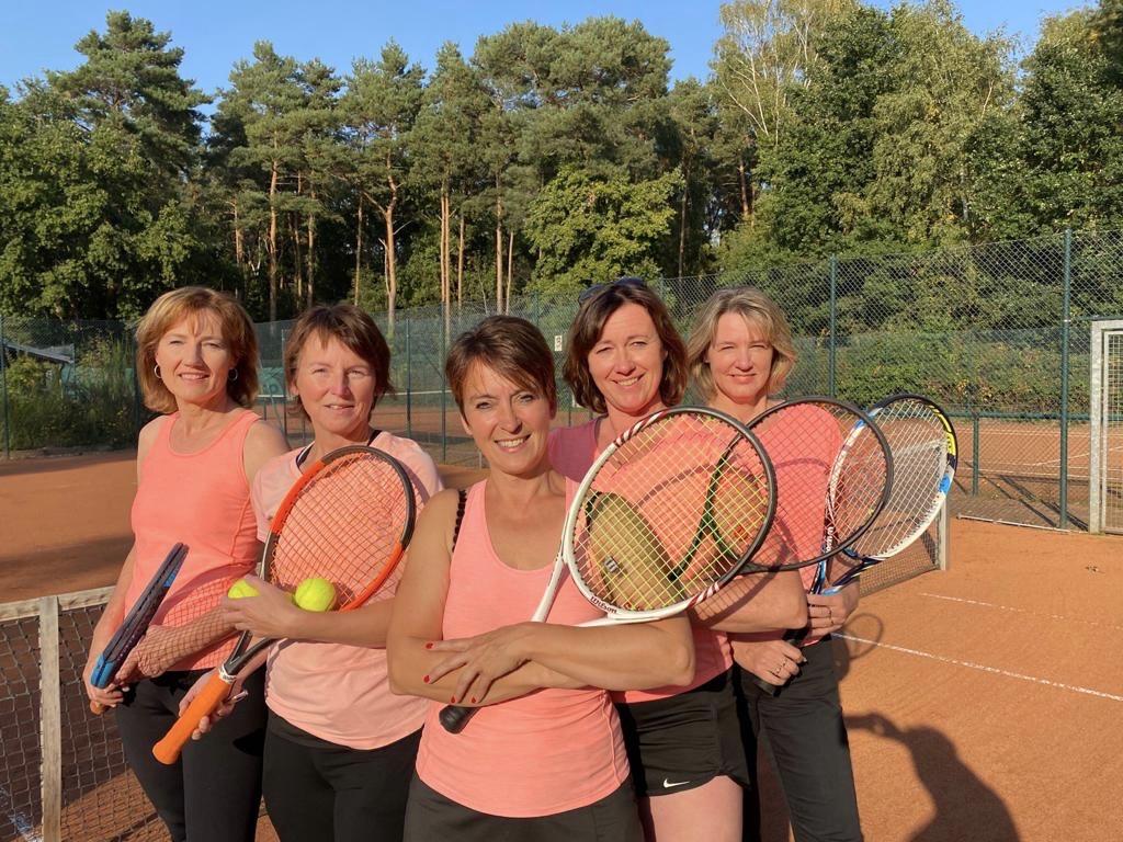 Damen1-Tennis